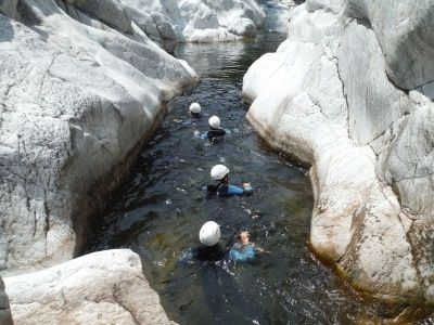 Ardeche equilibre canyoning