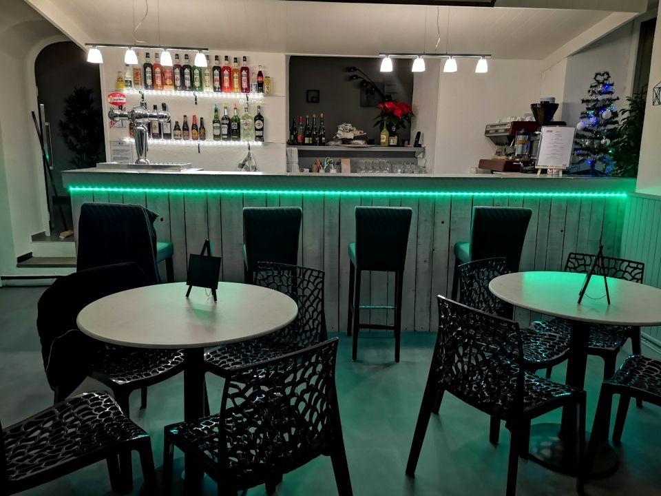 Bar de l'Auberge de l'Helvie Valvignères
