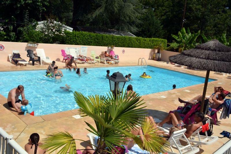 Camping le Chassezac piscine