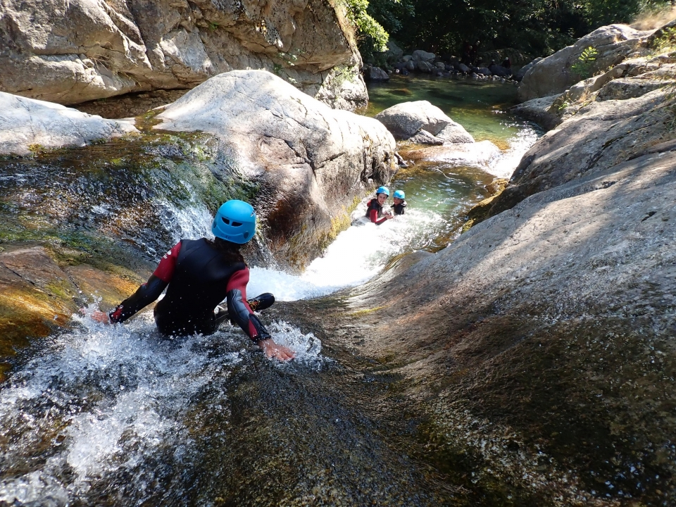 Canyoning en Ardeche, canyon basse besorgue - Cimes & Canyons
