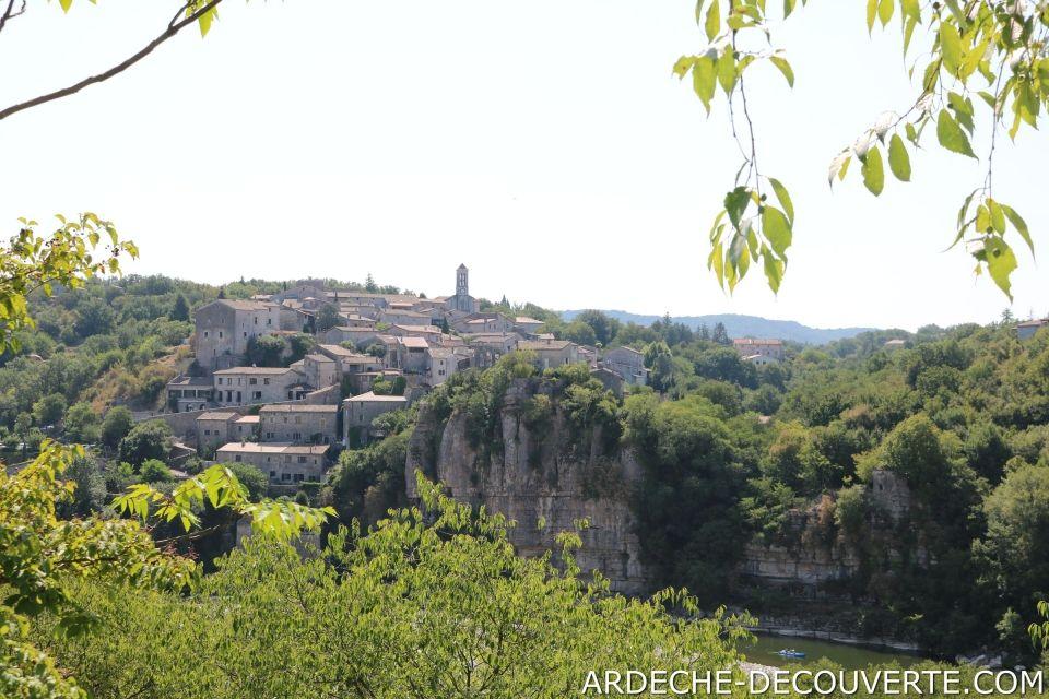 Découvrez le village de Balazuc en Ardèche