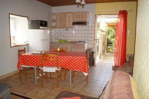 Espace cuisine Gîte La Magnanerie, gite pour 4 personnes