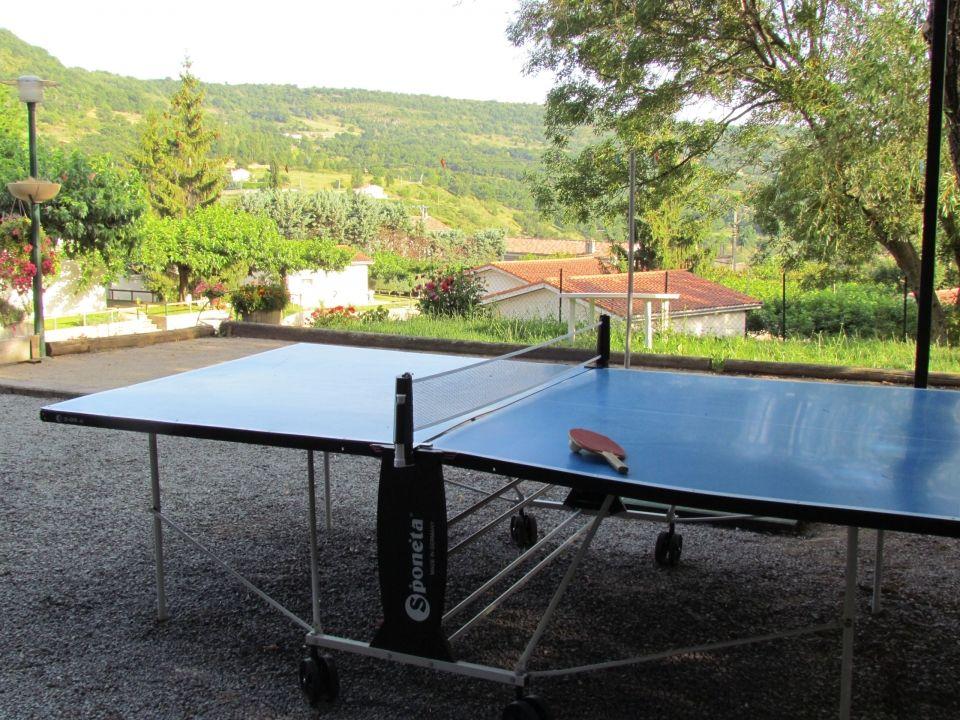 Tennis de table au village de gites Les Muriers