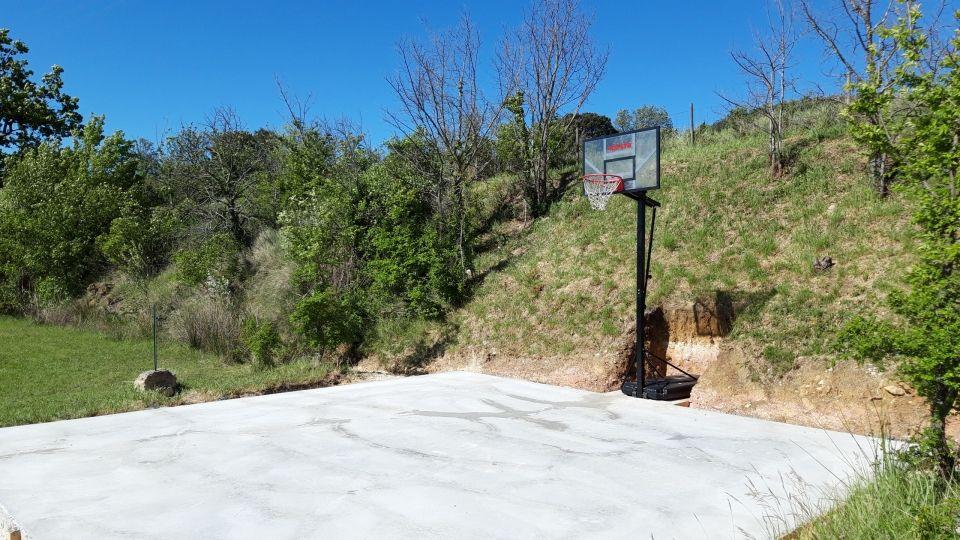 Terrain de basket ball