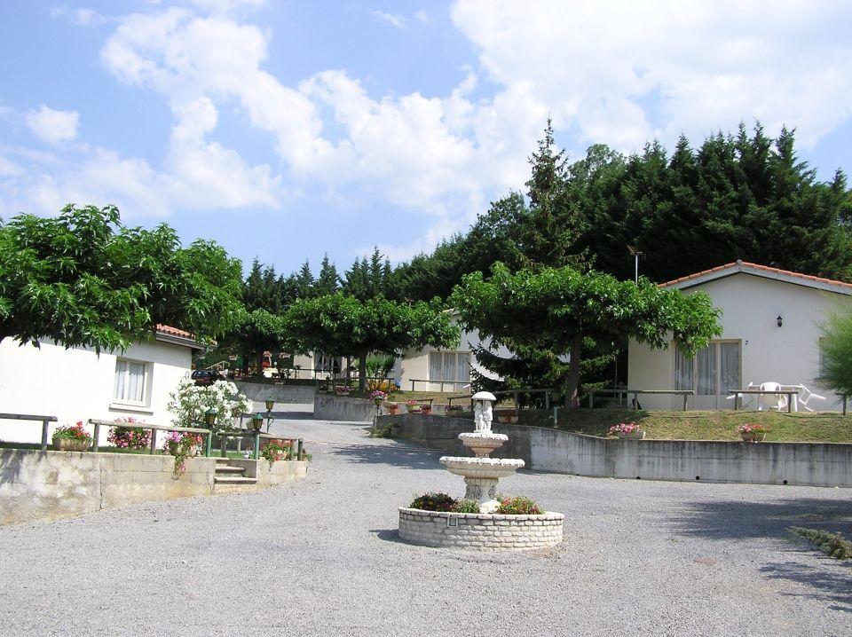 Village de gîtes les Muriers à Darbres